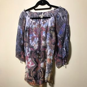 Paisley see thru top with round neck